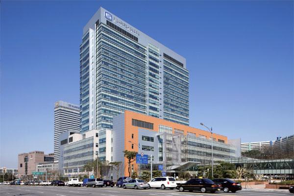 癌센터, 어느 병원에 가야 할까] 서울성모병원 암병원 : 월간조선