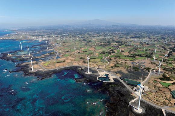 PHOTO NEWS] 바람을 잡아라, 신재생에너지 풍력발전 : 월간조선